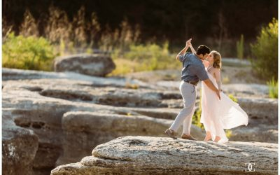 Jessica & Scott's McKinney Falls Engagement Session